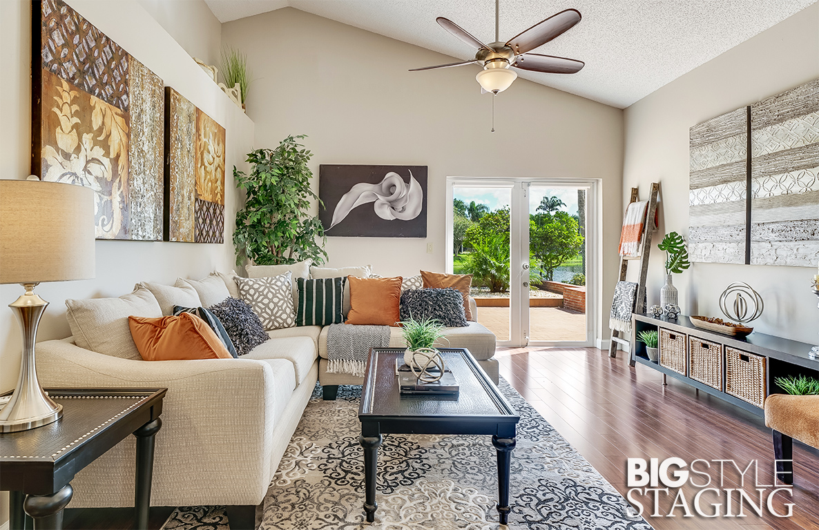 big-style-staging-vacant-staging-davie-family-room